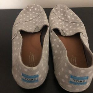 Grey and White Polka Dot Toms